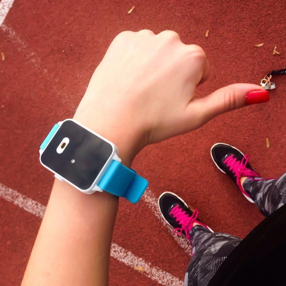 Personal alarm wristband alarm band from Alarmbands